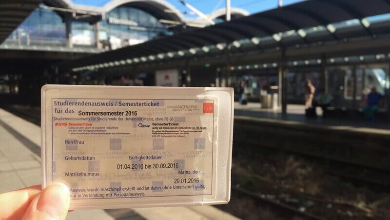 Студенческий билет в Германии: что в него в ходит и сколько он стоит